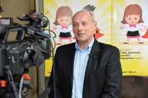 Helmut Dollinger schildert die erfolgreiche Kooperation mit der GPA-djp. (Foto: dewi)