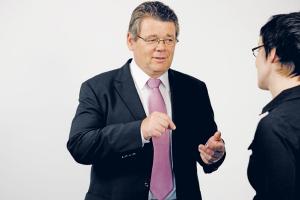 Arbeitszeit muss neu und fair verteilt werden, fordert GPA-djp-Vorsitzender Wolfgang Katzian. (© Nurith Wagner-Strauss)