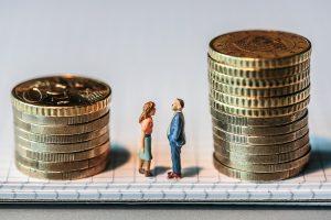 Frauen kommen seltener in Führungspositionen und werden auch bei Bonuszahlungen seltener berücksichtigt als Männer. Foto: ÖGB Verlag, Michael Mazohl