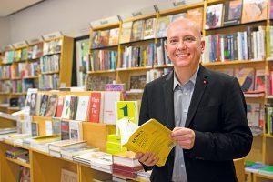 Für Martin Müllauer, den Betriebsratsvorsitzenden der Morawa Buch und Medien Gesellschaft ist gute Beratung im Buchhandel der Schlüssel zum Erfolg. Foto: Nurith Wagner-Strauss