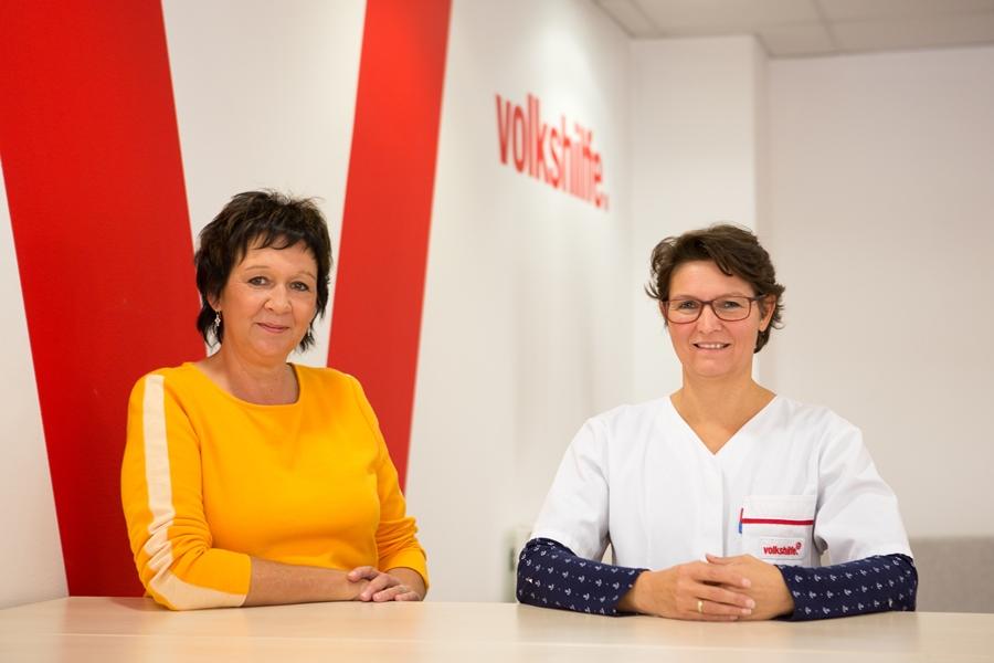 Volkshilfe-Betriebsrätin Waltraud Stock und Pflegerin Daniela Dorn. Foto: Nurith Wagner-Strauss